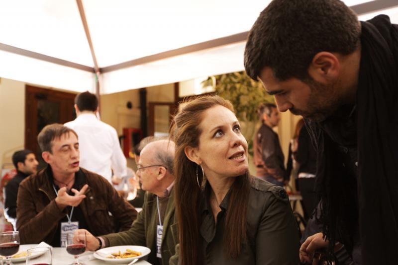 Momenti di convivialità durante il festival all'Hostel Marina: i giurati