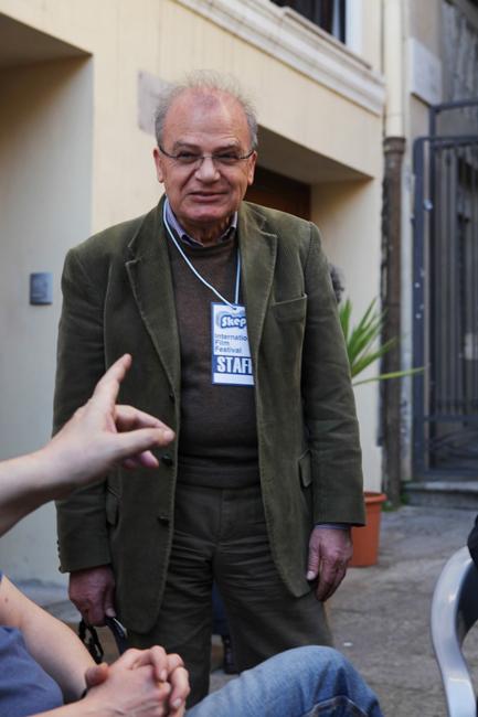 Momenti di convivialità durante il festival all'Hostel Marina: il presidente dell'Associazione Skepto, Marco Schirru