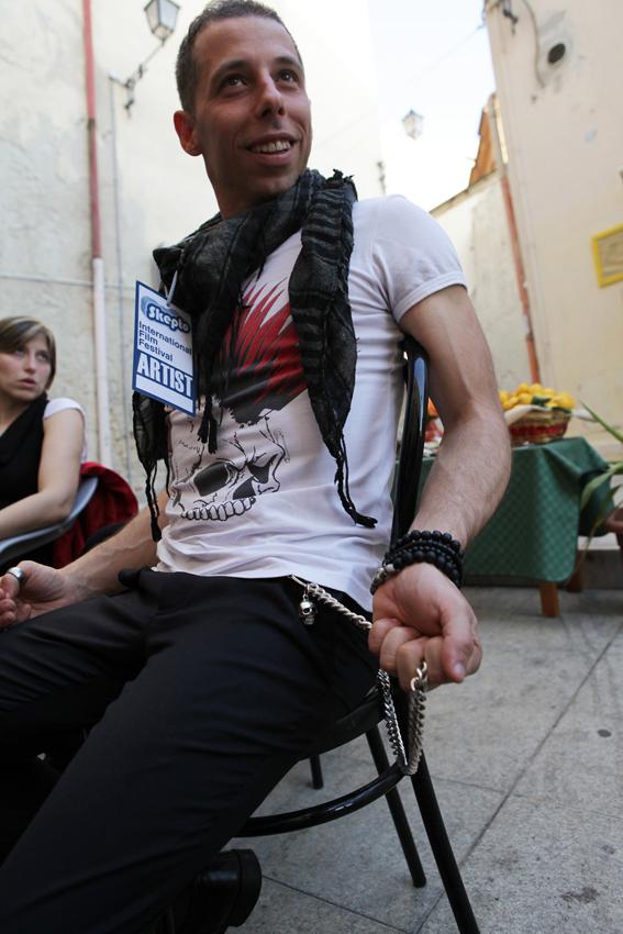 """Momenti di convivialità durante il festival all'Hostel Marina: S. Montaldo e F. Della Vecchia, produttori """"Deu ci sia"""""""